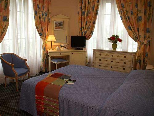 hotel montmartre paris