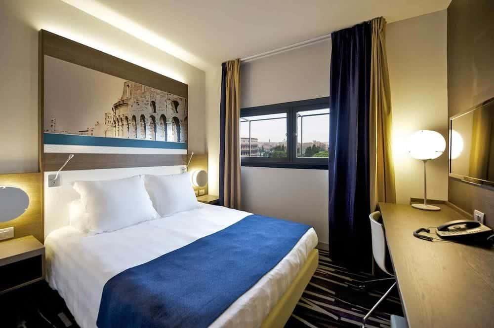 hotel i rom tæt på colosseum