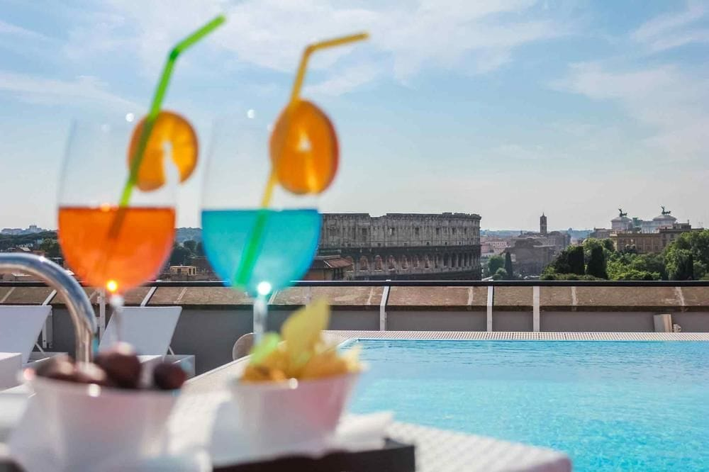 hotel i rom swimmingpool
