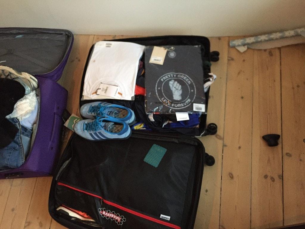 Kufferten var godt fyldt. Har fået en fantastisk kuffert fra Rejsegear.dk.