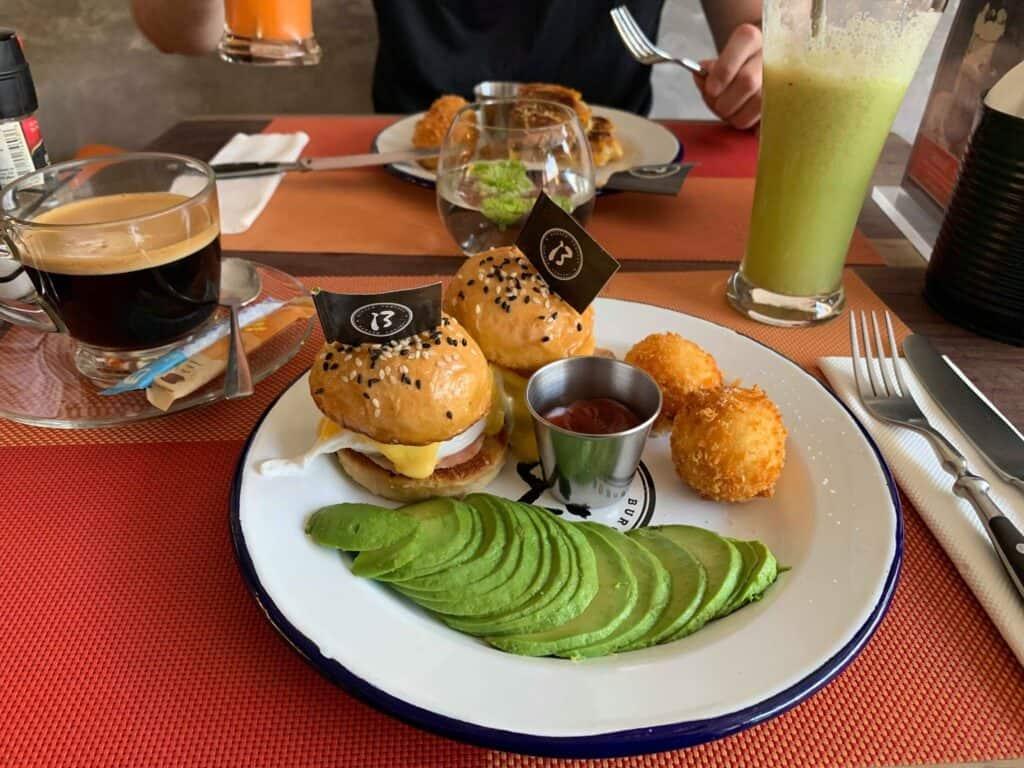thalassa morgenmad